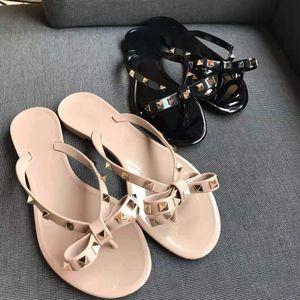 2021 женские сандалии заклепки лук узлы узла плоские тапочки сандалии усеянные девушки обувь новая прибытие желе платформа слайды леди шлепанцы с коробкой 35-41