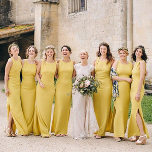 Cheap Elegant Yellow Beach Sheath Bridesmaid Dresses Scoop Neck Satin Floor Length Maid of Honor Formal Party Dress Evening Prom Gowns V38
