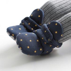 الوليد بوي طفلة جوارب الكاحل أحذية لطيف نجم طفل أحذية Prewalker الجوارب القطنية في فصل الشتاء لينة المضادة للانزلاق الأحذية الدافئة الرضع سرير Y201009