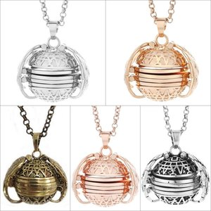 5Pcs Expanding Photo Lockets Pendant Necklace Choker Memories Jewelry Angel Wing Chain Necklace for Baby women No photos Y1220