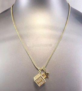 D Jia Dijia 2019 classic alphabet diamond dice square Necklace Earrings simple net red advanced feeling Bracelet