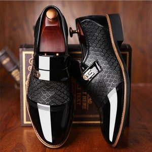 New Italian Black Formal Shoes Men Loafers Wedding Dress Shoes Men Patent Leather Oxford for Chaussures Hommes En Cuir