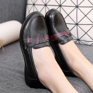 Mocasines de mujer Cuero genuino Slip-on Slip On Slight Women Spring Otoño Autumn No Slip Señoras Zapatos Cómoda Moda Suela robusta # 5x3J