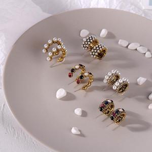 Mengjiqiao 2021 nuovo vendita calda vintage colorato strass piccolo cerchio orecchini donne moda simulata perla semicerchio pendols