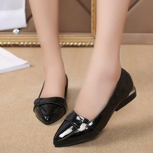 2020 New Plus Size Casual Shoes Woman Mid Heels Office Shoes Sexy Ladies Pumps Patent Leather Buckle Slip on Women