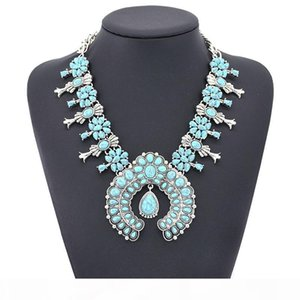 Europe and the United States fashion Bohemian wind turquoise flowers pendant alloy necklace Yiwu factory direct