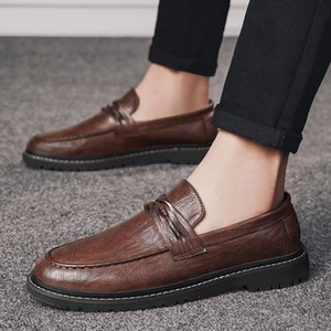 2020 New product spring mens shoes unique youth dress shoes Retro men luxury loafers Brock carved men designer shoes 440