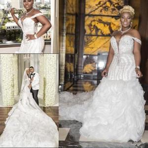 2021 Luxus-Perlen Brautkleider Mermaid Rüschen Kathedrale Zug nach Maß plus Größen-Hochzeit Brautkleid weg Schulter vestido de novia