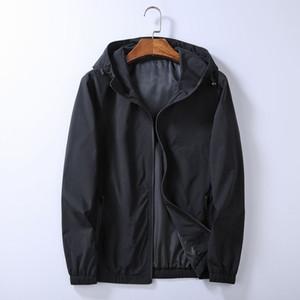 Nuovo arrivo Mens Giacca Styish Giacca Cappotto Mens di alta qualità Moda uomo tuta sportiva Mens Felpa con cappuccio Dimensione M-3XL Q01