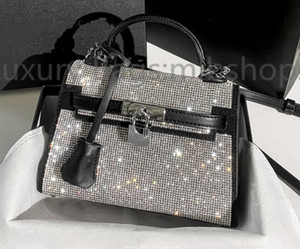 Designer AW di alta qualità Totes Donne Crystal Diamante Borse 2021 Nuove borse a tracolla perline metalliche Scintillini Diamonds Diamonds Lady Crossbody Bag