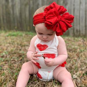 0-24M Baby traje para bebés Día de San Valentín Impreso 2pcs Conjunto de mamelucos, sin mangas y sin espalda Halter Triángulo Romper con diadema de arco