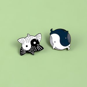 Tai Chi Yin Yang Fish Whale Pins Enamel Yin-Yang Koi Goldfish Animal Brooches Badges Enamel pins Japanese Fish Jewelry Spille