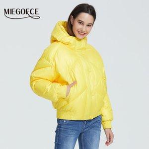 Cepler Casual Parka Standı Yaka Kapşonlu 201.016 ile MIEGOFCE Yeni Tasarım Kış Coat Kadın Ceket İzoleli Cut Bel Boyu