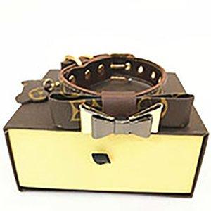 Últimas Sets Pet trelas com Padrão Box Moda Impresso Teddy Schnauzer Colares presente de Ano Novo para coleiras para cães