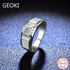 Geoki passa Diamond Test 1 CT Perfect Cut D Couleur VVS1 Bague Moissanite Hommes 925 Sterling Silver Large Anneaux Bijoux de fiançailles