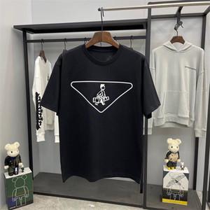 2021 Camiseta casual Nuevo Desgaste de los hombres Designer de manga corta camiseta 100% algodón Alta calidad al por mayor Blanco y negro Q1064