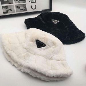 冬の暖かいバケツの帽子キャップのファッションの刺青の帽子通気性のカジュアルフィットハットビーニーカスケット4色非常に品質