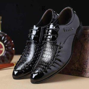 Luxury Fashion Men Dress Shoes Oxfords Formal Shoes Mens Leather Wedding Heren Schoenen Oxford Men 2020 Loafers Party