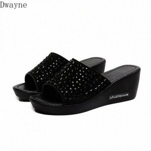 2020 New Slippers Women Summer Fashion Wear Muffin Thick Bottom Word Beach Shoes Wedge Heel Rhinestone Sandals And Slippers 4wNc#