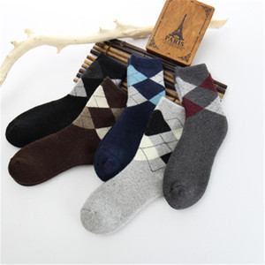 Mens Fleece Middle Tube Socks Fashion Trend Rhombus Pattern Thickening Stretch Business Socks Winter Male Casual Homme Mid Length Warm Sock