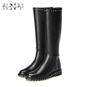 Peluş Düz Ayakkabı Kadınlar ile XIUNINGYAN 2020 Kış Gerçek Deri Diz Yüksek Boots Moda Boots Kadın Perçinler Fermuar Kare Topuk