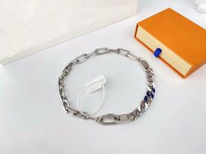 Europa América estilo estilo hombre plateado color metal grabado v iniciales cristal esmalte cadena enlaces parches collar regalo