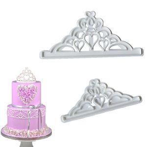 Una corona 2PS de corte de troquelado Moldes para hornear DIY Cake Decoración de galletas de galletas de galletas Herramientas de plástico 1 4HR D2