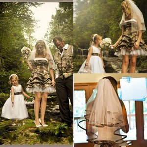 Hot Selling Summer Camo&Tulle Short Wedding Dresses Strapless Ruched Zipper Back A Line Bride Gowns with Veils