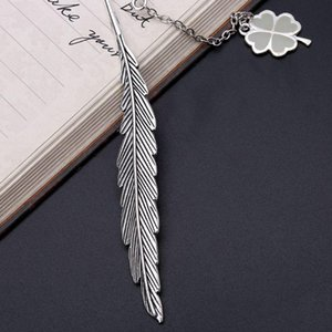 Glow In The Dark Luminous Book Marker Creative Feather Clover Bookmark Label School Office Stationery H55F
