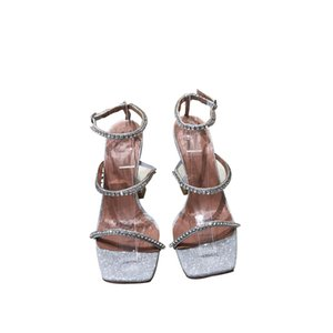 Fine diamond horseshoe with the word sexy high-heeled sandals women 2020 summer new sense of fairy wind open-toed leather shoes