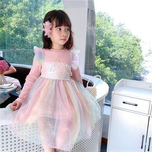 9DCF Hoodies outono crianças crianças longas algodão morango letra impressão manga meninas casuais 2020 vestido reto vestidos infantis