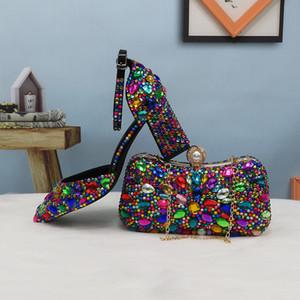 Frauen Hochzeit Schuhe mit passenden Taschen Mehrfarbiges Kristall Thick hohe Absätze Dame-Partei-Kleid-Schuhe Frauen Pumpen super große Größe