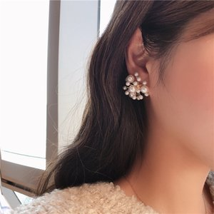 New Fashion Women Vintage Simulated Pearl Beads Stude Earrings Elegant Flower Fireworks Shape Pendientes Girl Ear Jewelry Gifts