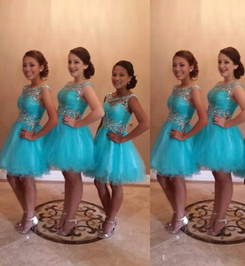 2021 Vintage Turquoise Tulle Bridesmaid Dresses with Crystal Beaded Scoop Neck Short Prom Party Gowns A Line Graduation Maid of Honor Dress