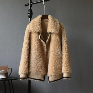 2021 High Quality Real Fur Coat Fashion Genuine Lamb Fur Overcoats Elegant Women Winter Outwear Turn Down Collar Jacket T04