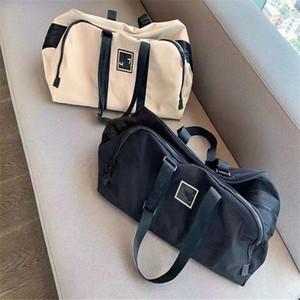 Luxurys 디자이너 Unisex 가방 패션 대용량 여행 가방 고품질 체육관 스포츠 Satchel 클래식 스타일 스토리지 가방 무료 배송