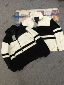 Fashion Mens Women wollen jacket luxurys Velvet Jacket Winter Cashmere Jackets Keep Warm Zipper Outdoor Hooded Windbreaker Jackets