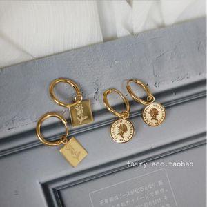 Yun Ruo خمر زهرة عملة مسمار القرط هوك امرأة ذهبي اللون التيتانيوم الصلب مجوهرات هدية عيد ميلاد لا تتلاشى انخفاض الشحن