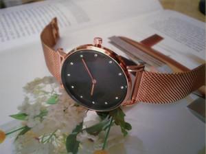 Relojes de cuarzo de alta calidad Números romanos Relojes de lujo Bling Relojes de diamantes para hombres Mujeres Moda Oro Relojes de pulsera 32mm 40mm