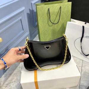 2021 New Cleo underarm сумка сумки сумки сумки высокого качества Кровавая сумка в форме сердца украшения брезенторов натуральная кожаная сумка оптом