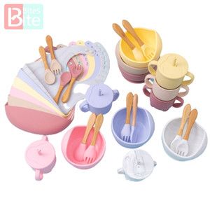 Silicone Dishes Baby Feeding Bowl Set Baby Learning Suction Bowl Cup Set Wood Fork Spoon Non-Slip for Babies Bib LJ201221