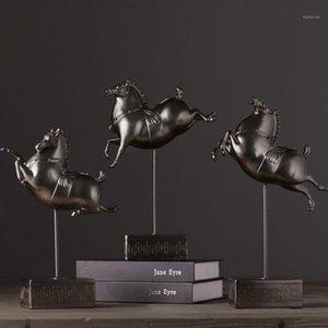Regalos de negocios Mascota Lucky Horse Sculpture Hecho a mano Estatuillas de resina para el hogar Accesorios de decoración TV Gabinete Mostrar ornamento1