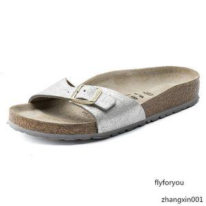 mujeres usan sandalias de corcho cuero plano zapatillas serie de Madrid