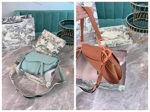 2020 new leather handbag new letter shoulder bag top quality leather messenger bag saddle shoulder handbag