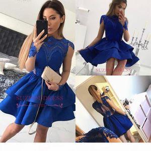Çarpıcı Homecoming Elbiseler 2018 Bateau Sheer Uzun Kollu Kraliyet Mavi Kısa Balo Abiye Backless Seksi Seksi Kokteyl Mezuniyet Elbise