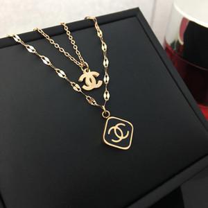 2021 Unisex Carta Designer Gold Silver Rose Gold cor variada Pendant de luxo jóias de aço inoxidável colares para as mulheres presente