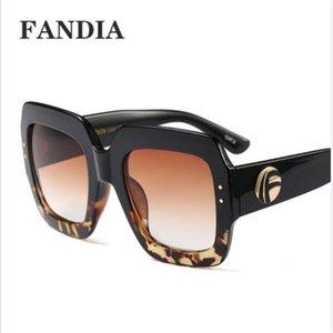 Hip Hop-große Feld-Frauen-Sonnenbrille INS Fashion Design Dame Marke Sunglass Reisen Persönlichkeit Mädchen Marke Sun Glasses