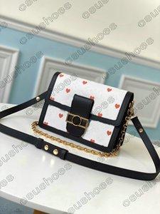 Игра На M57448 M57463 Доуфиновая цепь Chrossbody сумка женские сердца цветочные буквы кожаные красочные белые сумки конверт кошелек