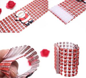 Ring Kunststoff Serviette Ring Weihnachten Strass Wrap Santa Claus Stuhl Schnalle Hotel Hochzeit Liefert Home Tischdekoration 3 Farbe EWE2373