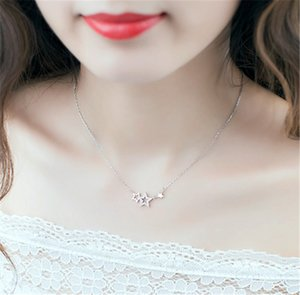 Woman clavicle five pointed star necklace Diamond necklace Star clavicle chain Woman simple beautiful mother short platinum necklace